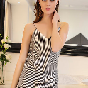 zebra-stripe-black-and-white-mulberry-silk-camisole-for-women-lady-01