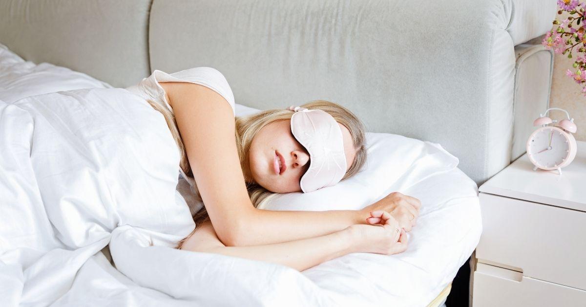 Benefits of Sleeping on Silk Pillowcase